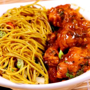 Chilli Chicken with Hakka Noodles / Fried Rice